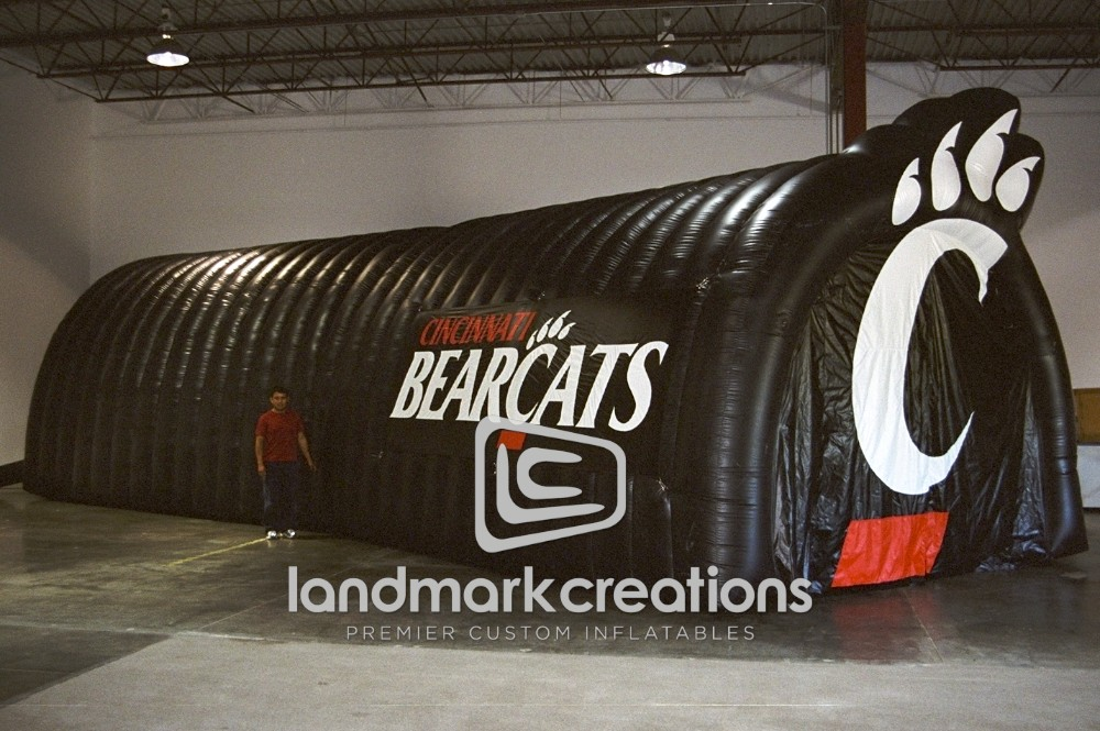 Cincinnati Bearcats Tunnel