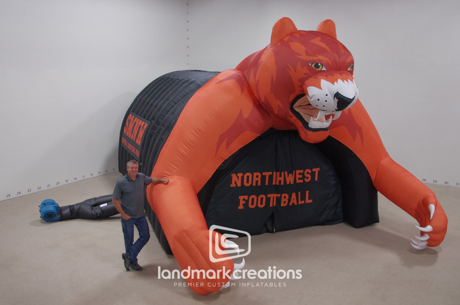 SMNW Cougar Tunnel