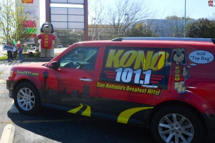 Inflatable KONO Radio Station Dog Mascot